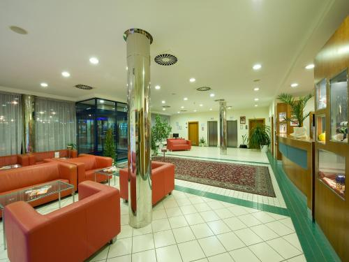 Ramada Airport Hotel Prague photo 23
