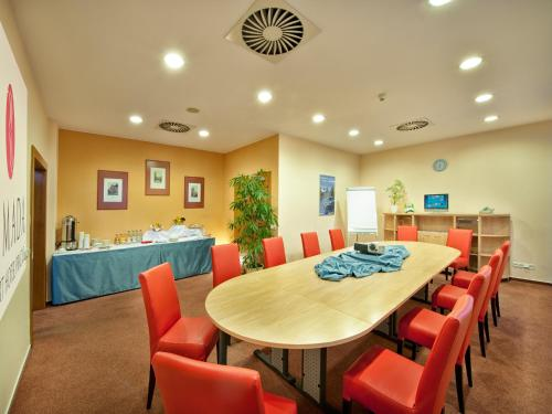 Ramada Airport Hotel Prague photo 45