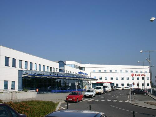 Ramada Airport Hotel Prague photo 49