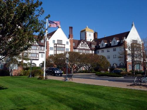 Montauk Manor Photo