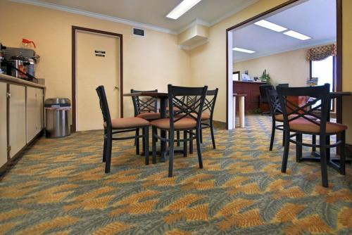 Americas Best Value Inn Killeen Photo