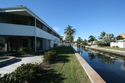 Picture of Holiday Homes on North Longboat Key by RVA/><p class=