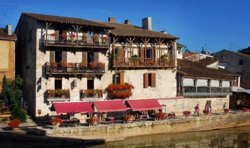 Auberge Du Pont Vieux
