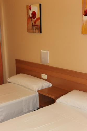 Hostal Cal Siles photo 2