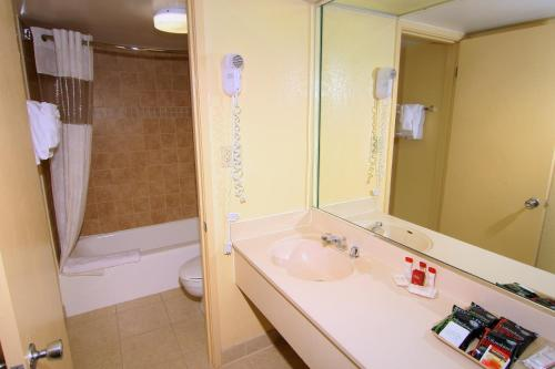 Ramada Gateway Hotel Kissimmee photo 39