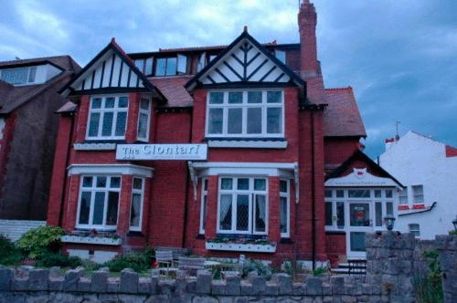 The Clontarf Hotel (B&B)