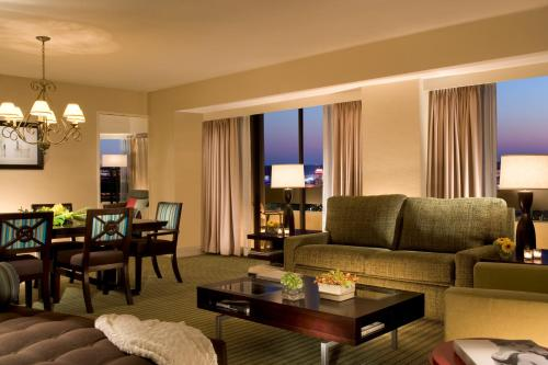 Hilton Orlando Lake Buena Vista photo 12