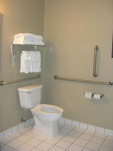 Holiday Inn Express Hotel & Suites Minneapolis-Downtown Convention Center Photo