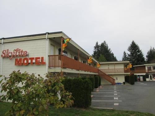 Skylite Motel Photo