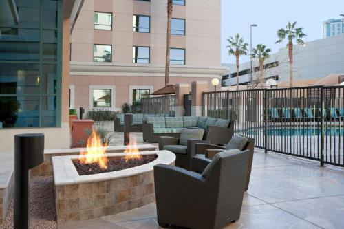 Residence Inn by Marriott Las Vegas Hughes Center Photo