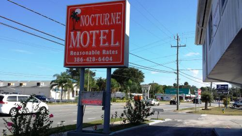 Nocturne Motel Photo