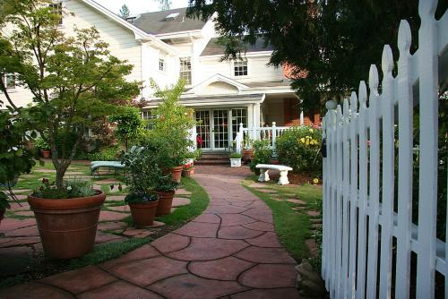 Inn At Occidental Of Sonoma Wine Country - Bed And Breakfast - Occidental, CA 95465