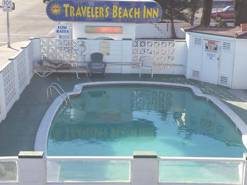 Travelers Beach Inn Photo