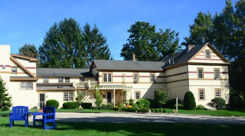 1802 House Bed & Breakfast Inn Photo