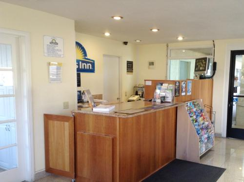 Days Inn Oceanside Camp Pendleton Photo