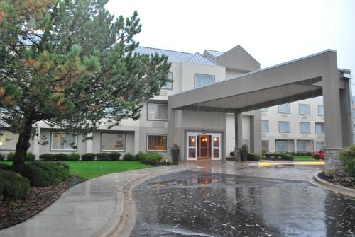 Best Western Plus Glenview Chicagoland Inn & Suites