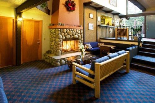 Innsbruck Lodge - Mammoth Lakes, CA 93546