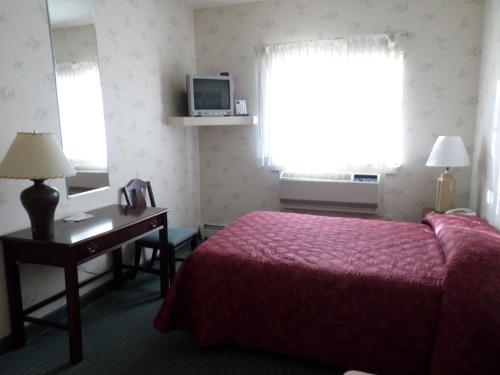 Handys Extended Stay Suites Photo