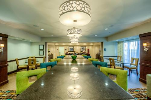 Hampton Inn Dayton/Dayton Mall Photo