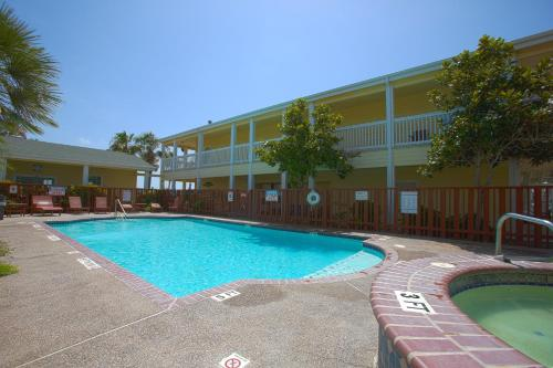 Plantation Suites and Conference Center Photo