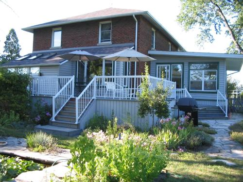 Honor's Country House Bed and Breakfast, Амерстберг