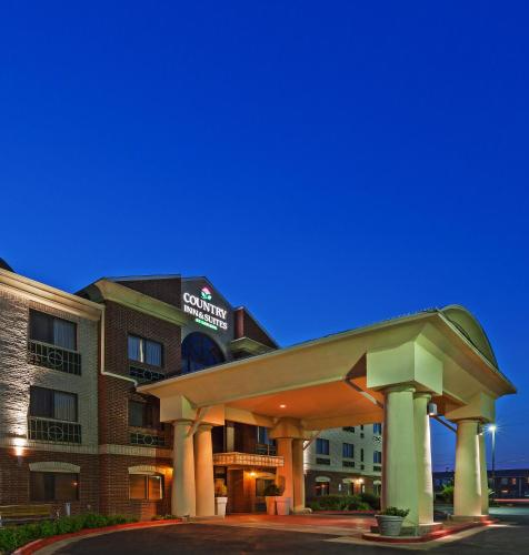 Country Inn and Suites Lubbock Photo