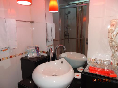 Beijing Sentury Apartment Hotel photo 27
