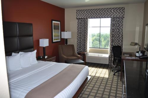 Comfort Inn and Suites Fort Smith Photo