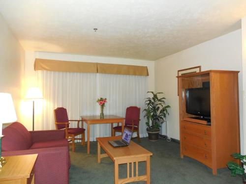 Best Western John Jay Inn Photo