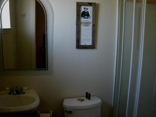 Virginia City Inn Photo