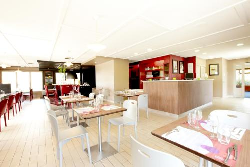 La barben hotels hotel booking in la barben viamichelin - Hotel premiere classe salon de provence ...