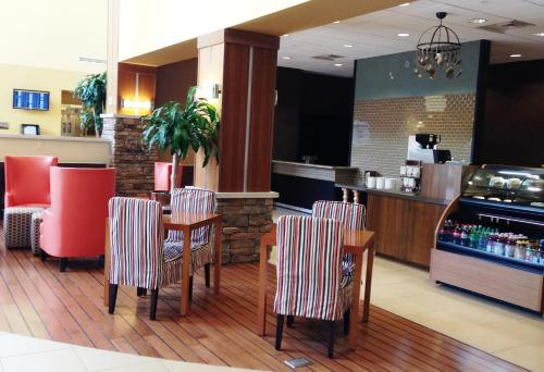 Embassy Suites Columbus - Airport Photo