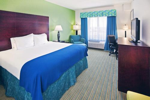 Holiday Inn Express & Suites Graham Photo