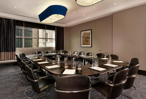 DoubleTree by Hilton London Victoria photo 30