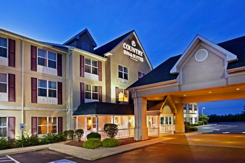 Country Inn & Suites Frackville Photo