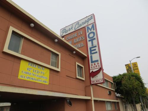 Park Cienega Motel Photo