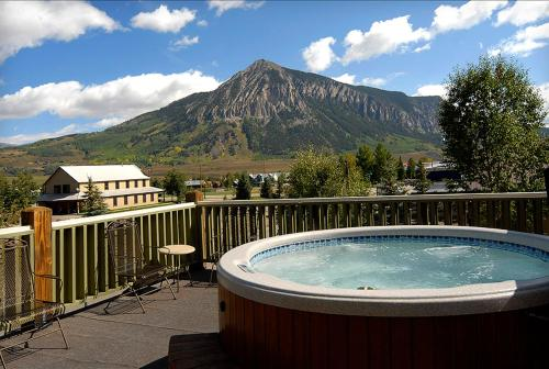 Picture of The Inn at Crested Butte/><p class=