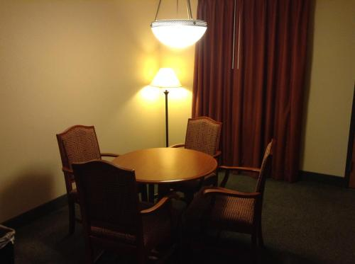 Ramada Indianapolis Airport photo 30