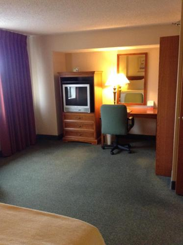 Ramada Indianapolis Airport photo 32