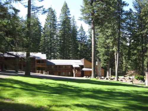 Eagle Cap Chalets Photo