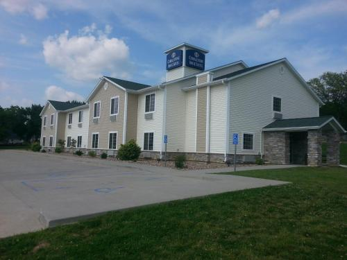 Cobblestone Inn & Suites - Bloomfield Photo