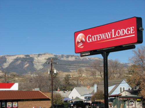 Gateway Lodge Photo