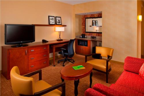 Courtyard by Marriott Memphis East/Park Avenue Photo