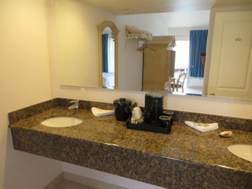 Dolphin Key Resort - Cape Coral Photo