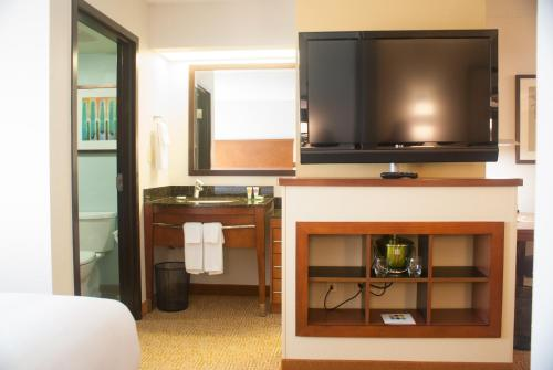 Hyatt Place Orlando Airport photo 38