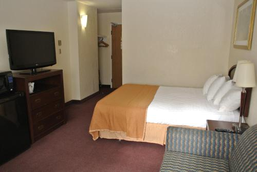 Travelodge Ottawa East Photo