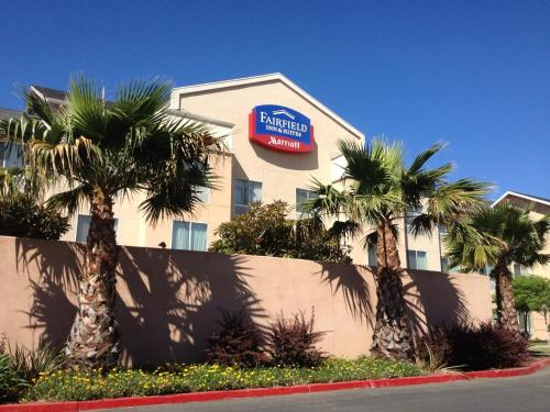 Fairfield Inn and Suites Sacramento Airport Natomas Photo