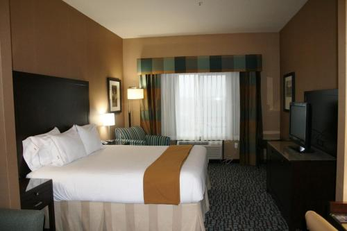 Holiday Inn Express Hotel & Suites Salinas - Salinas, CA 93901