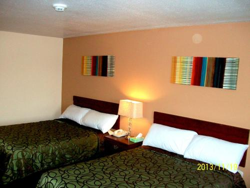Americas Best Value Inn Photo
