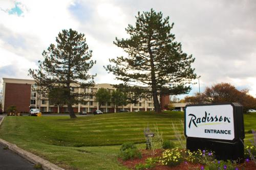 Radisson Rochester Airport Photo